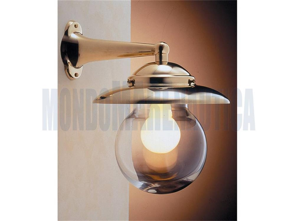 Applique con tubi idraulici. lampada vintage da terra con tubi
